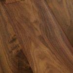 орех , плотность древесины и твердость