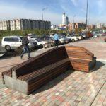 скамейка из термодревесины в Красноярске с подсветкой